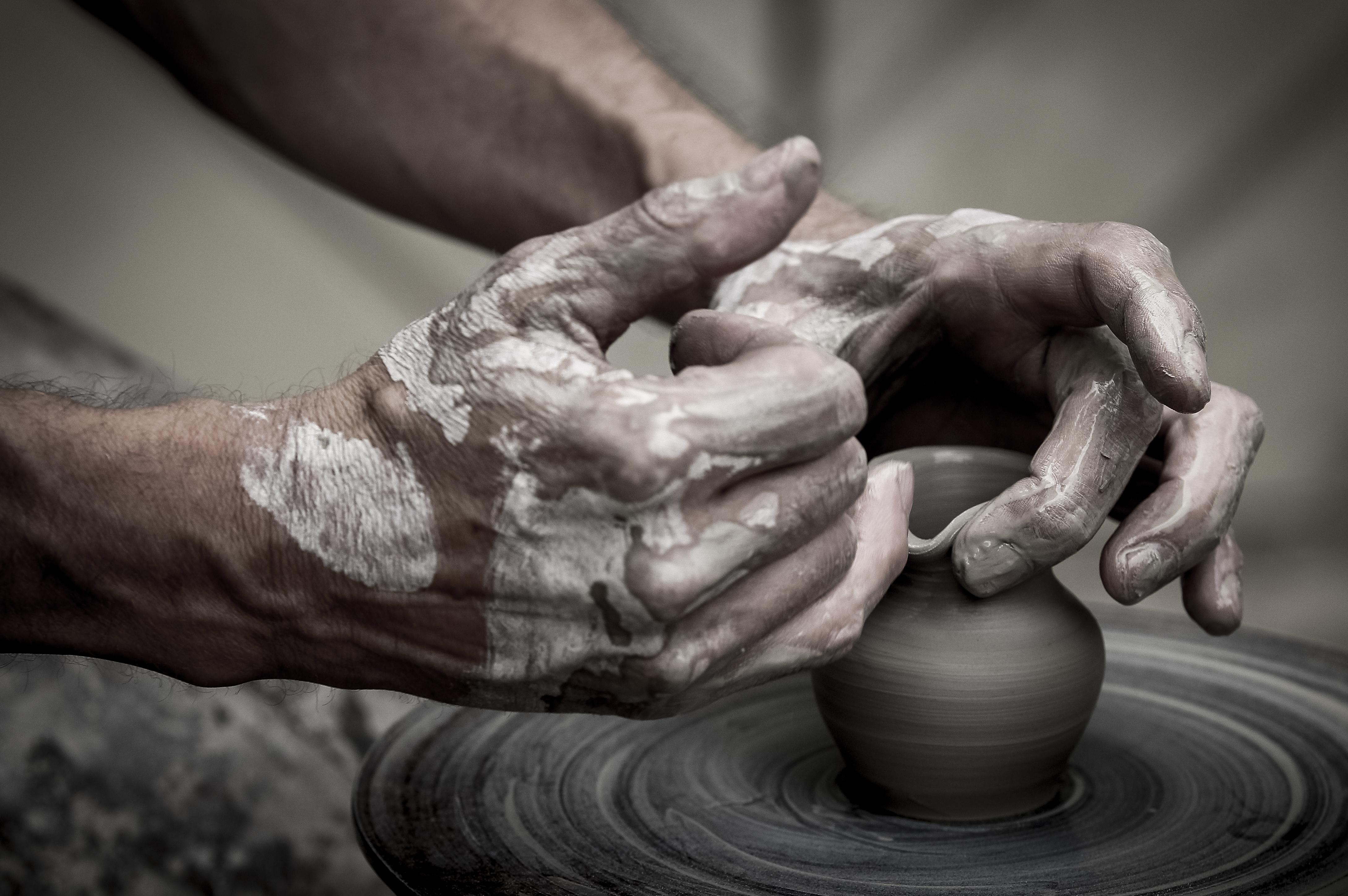 Apprendre la poterie et la céramique avec un artisan - Le bon atelier');