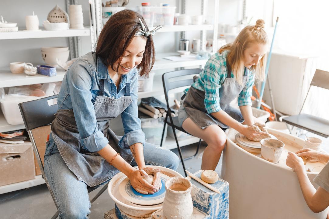 Apprendre à travailler le cuir avec un artisan - Le bon atelier